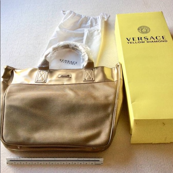 91025442d3 Versace Bag Comes With Box